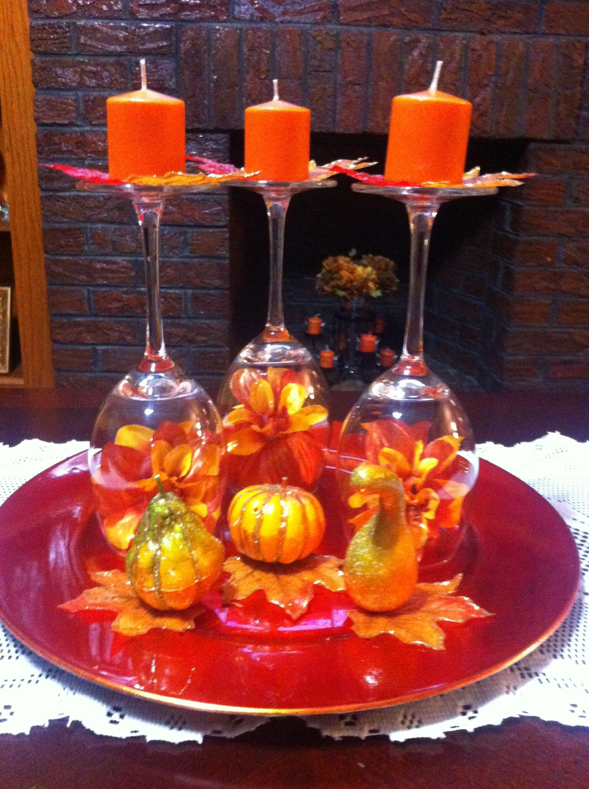 Pin By Graciela Lendechy On Mis Creaciones Wine Glass Centerpieces Creative Thanksgiving Decor Fall Thanksgiving Decor