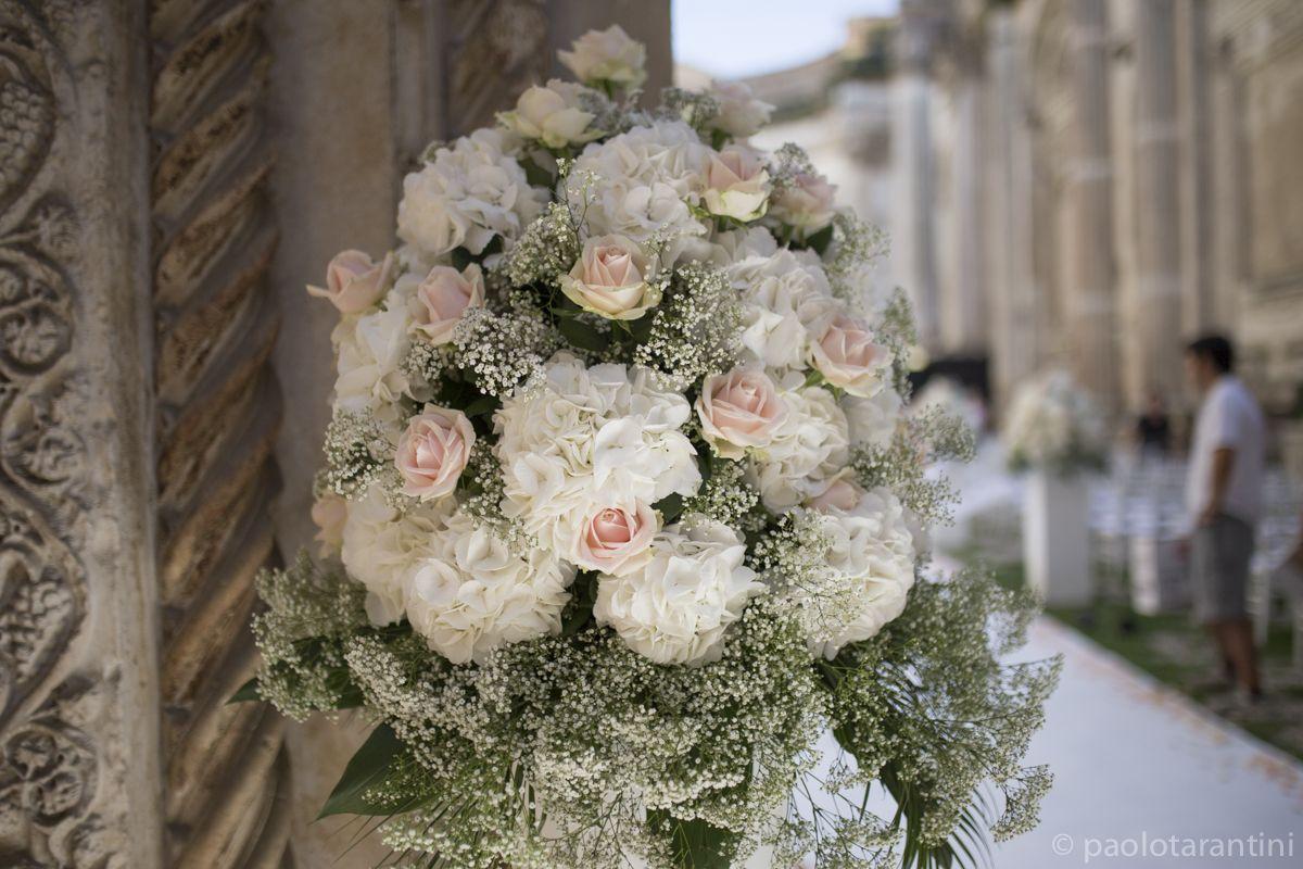 Rose peonie ortensie e gipsophila andrea maria adele for Decorazioni nuziali
