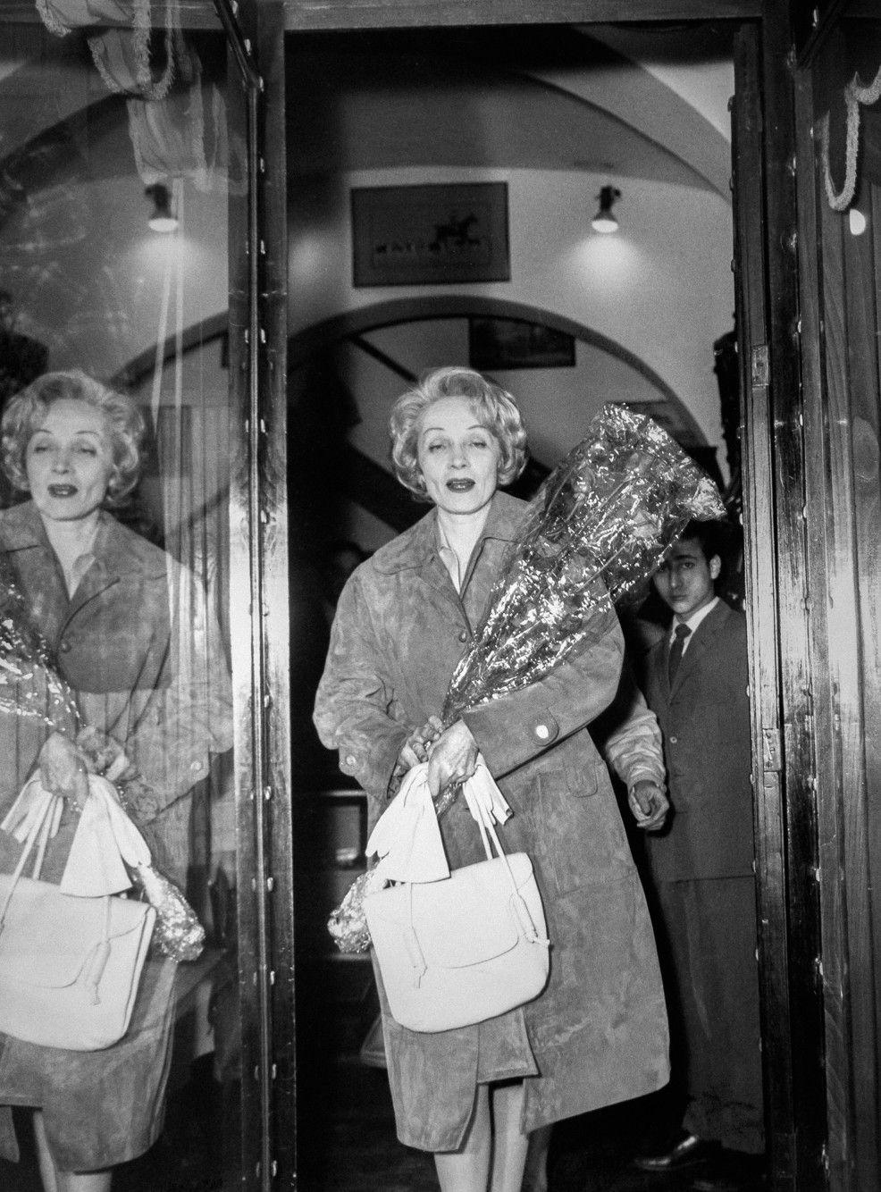 Pin By Ca C Sar Abel On La Dietrich La Mas Grande Marlene Dietrich Old Hollywood Dietrich