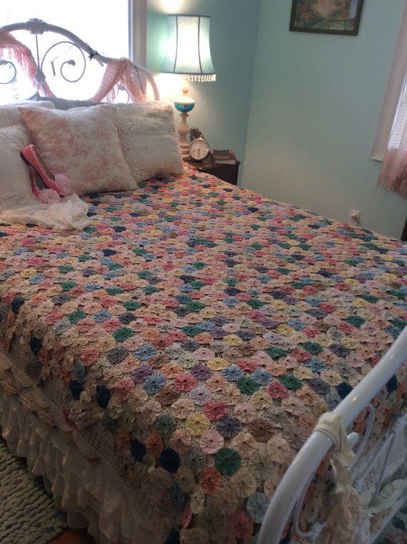 Gorgeous Vintage YoYo Quilt Handmade Fairytale Enchanting Art ... : yo yo quilts history - Adamdwight.com