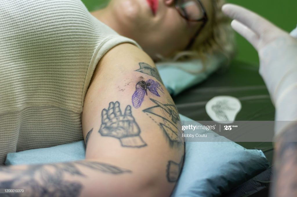 Close Up Shot Of Woman Getting Tattoo In Japan Photography #Ad, , #ad, #Woman, #Shot, #Close, #Photography