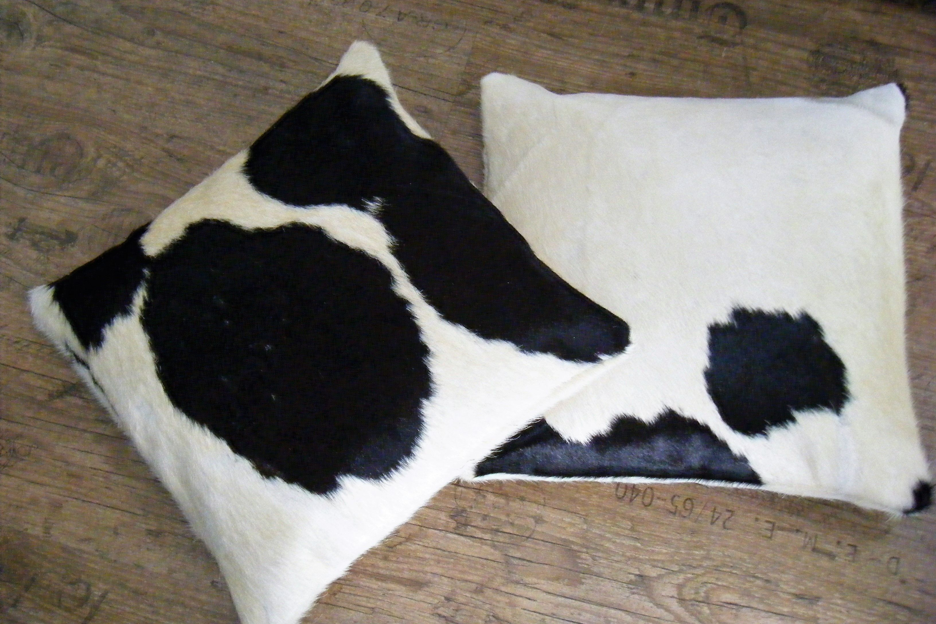 Kussens van koeienhuid kussen koeienhuid rood wit zwart