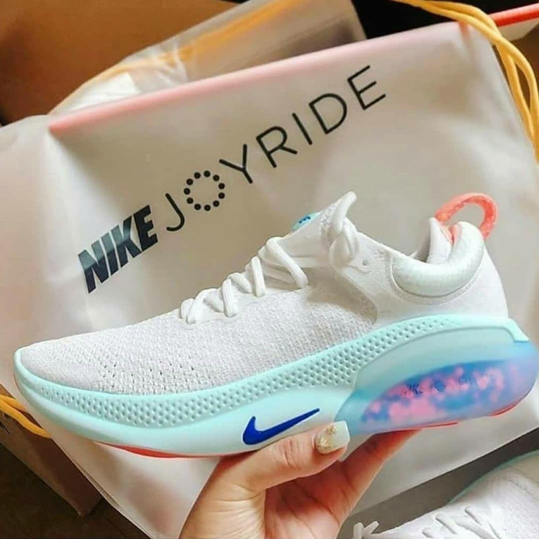 Moodyzon Joyride in 2020 | Nike, White