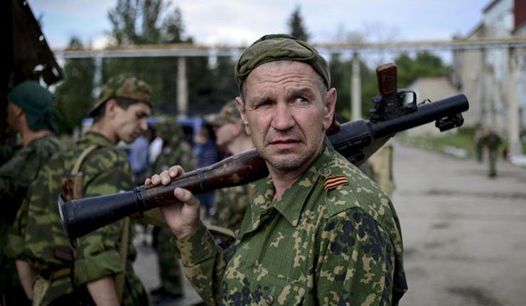 Порошенко наредио да се подигне украјинска застава у Славјанску  - http://www.vaseljenska.com/vesti/porosenko-naredio-da-se-podigne-ukrajinska-zastava-u-slavjansku/