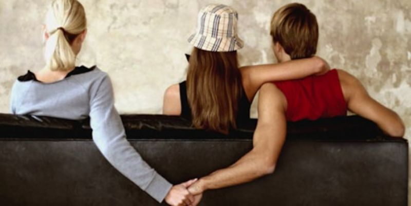 How to know your boyfriend is a womanizer or not