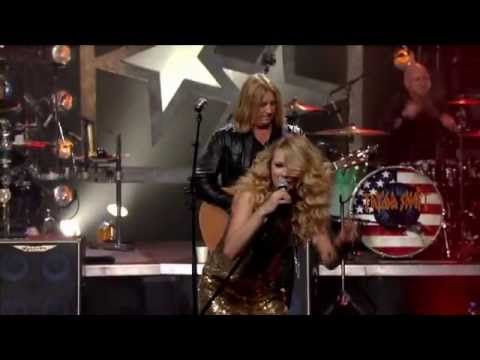 Picture To Burn Taylor Swift And Def Leppard Cmt Crossroads Def Leppard Good Music Taylor Swift Hot