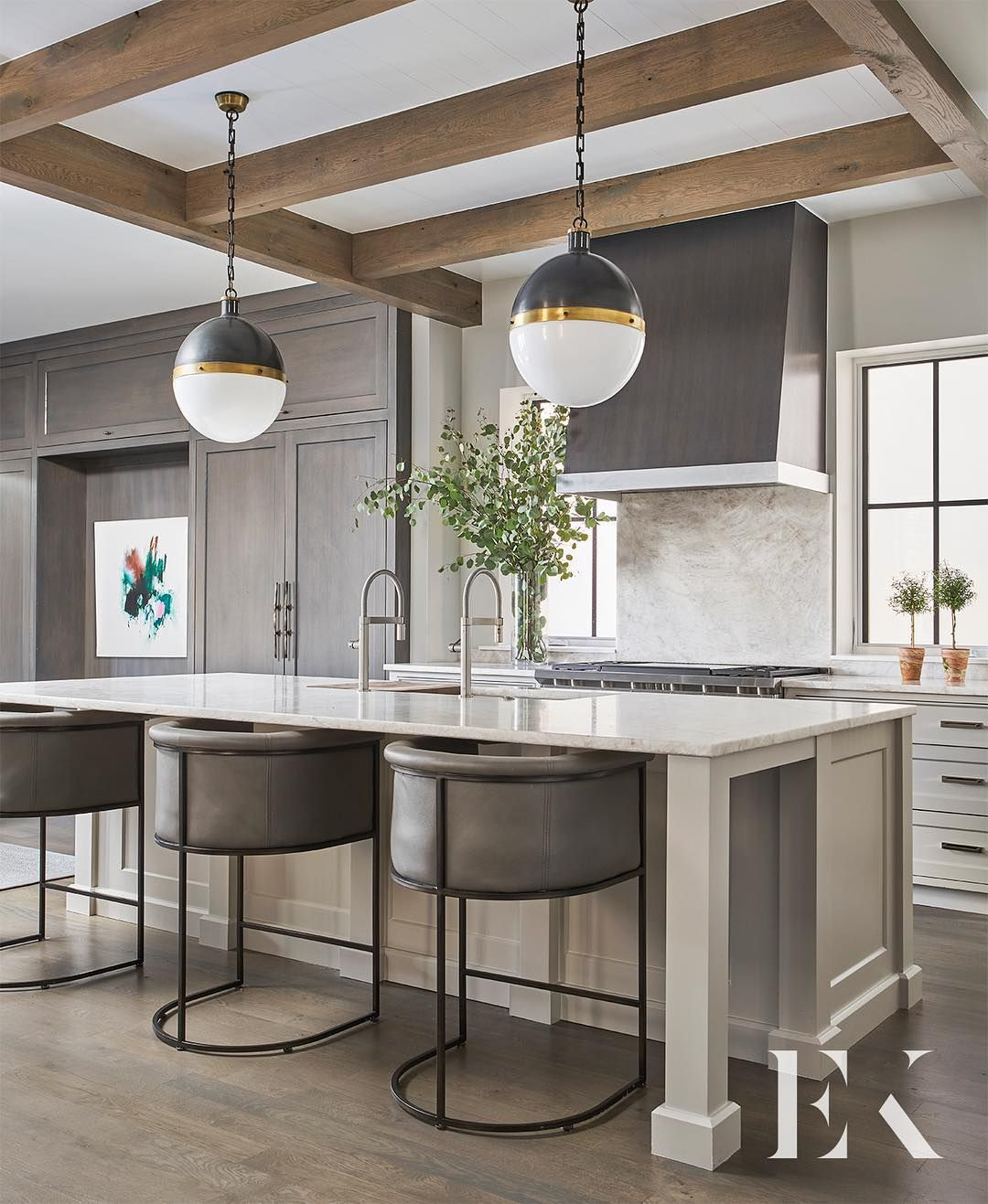Industrial Meets Rustic In This Kitchen: Rustic Meets Modern Kitchen - Cool, Grey Tones