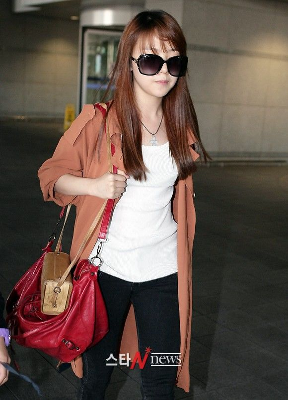 girls day minah airport fashion