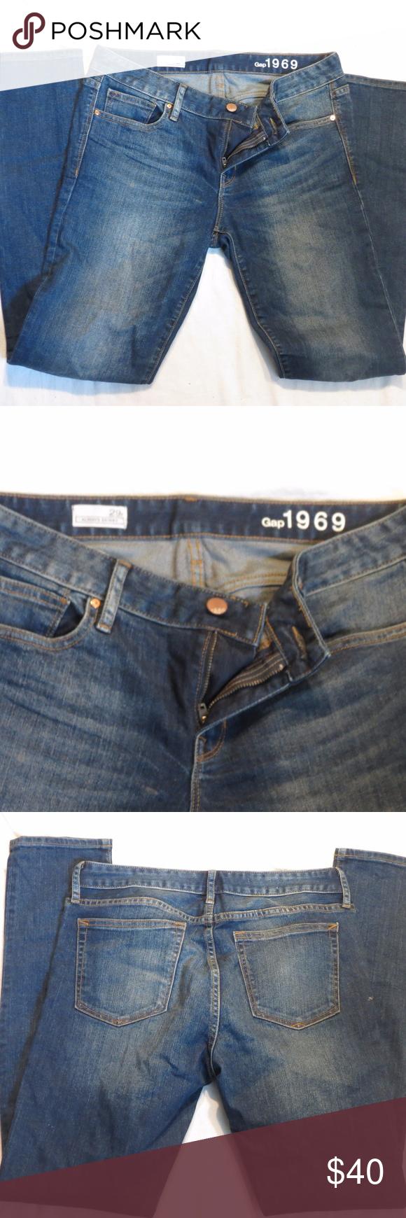 Mid rise true skinny jeans SIZE 29R Premium, medium stretch 1969 denim. Medium indigo wash. Zip fly, button closure. Five-pocket styling GAP Jeans