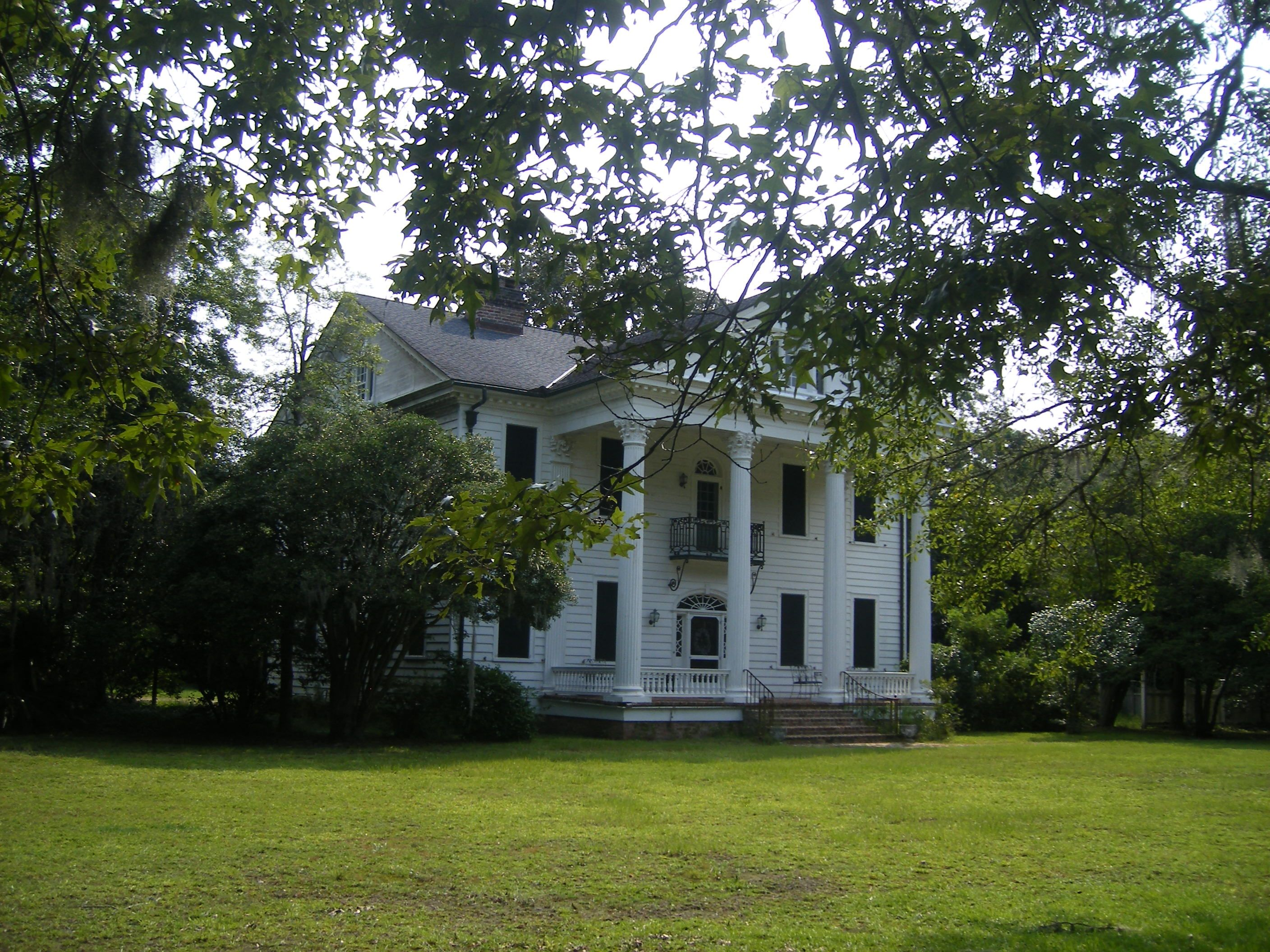 Old southern mansion in s c southern plantations for Southern house