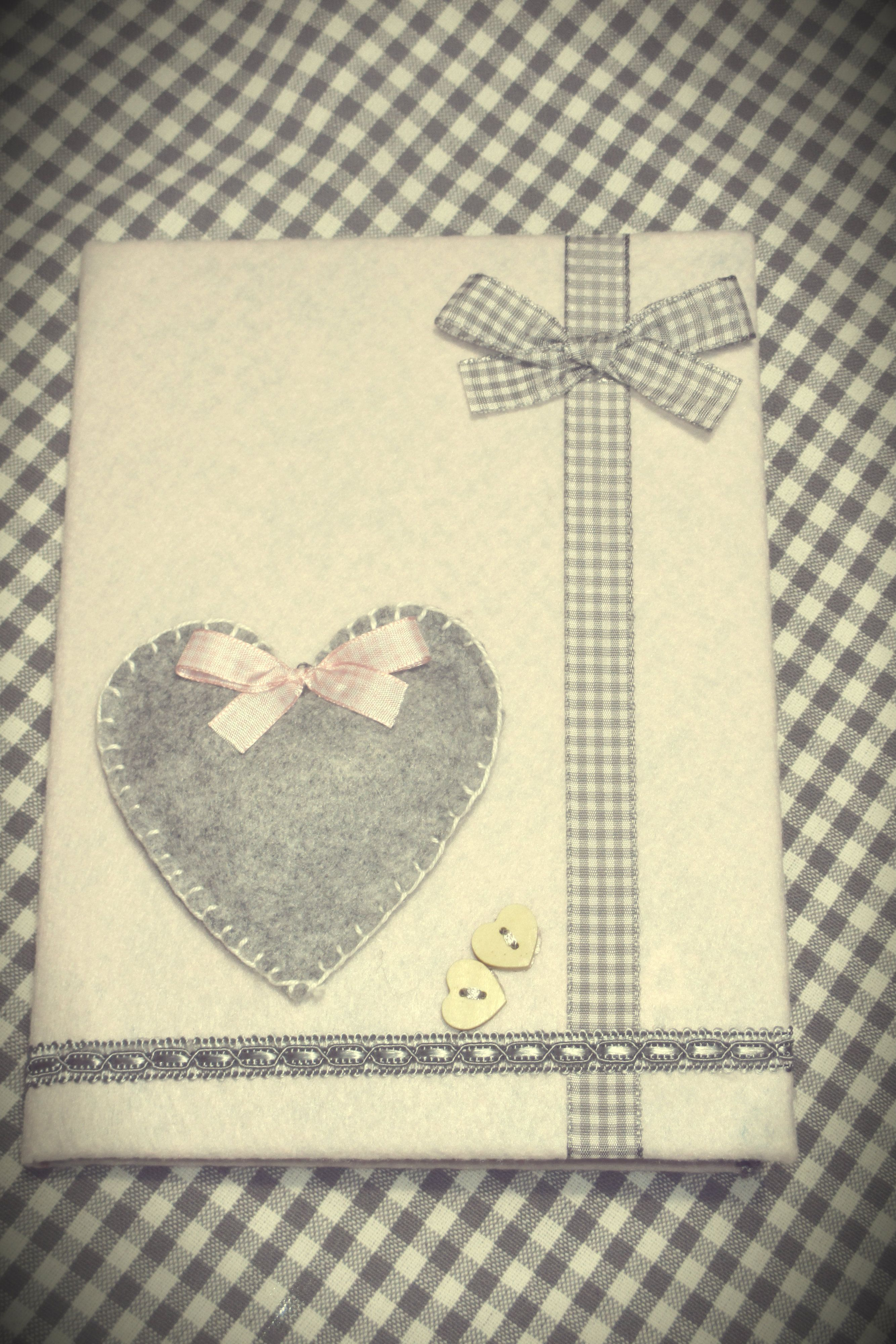 Handmade scrapbooking Agenda find this at https://www.facebook.com/pages/Due-Cuori-handmade/253724874791789
