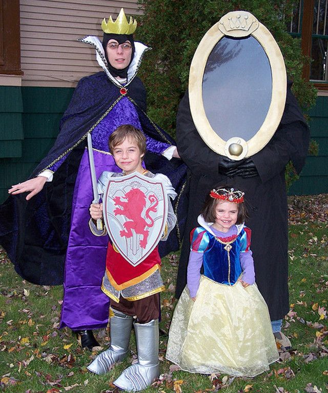9 Wonderfully Cute Family Halloween Costumes [PICTURES ...