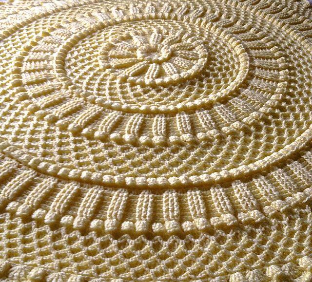 Lille Matelassé Circular Baby Afghan pattern by Priscilla Hewitt ...