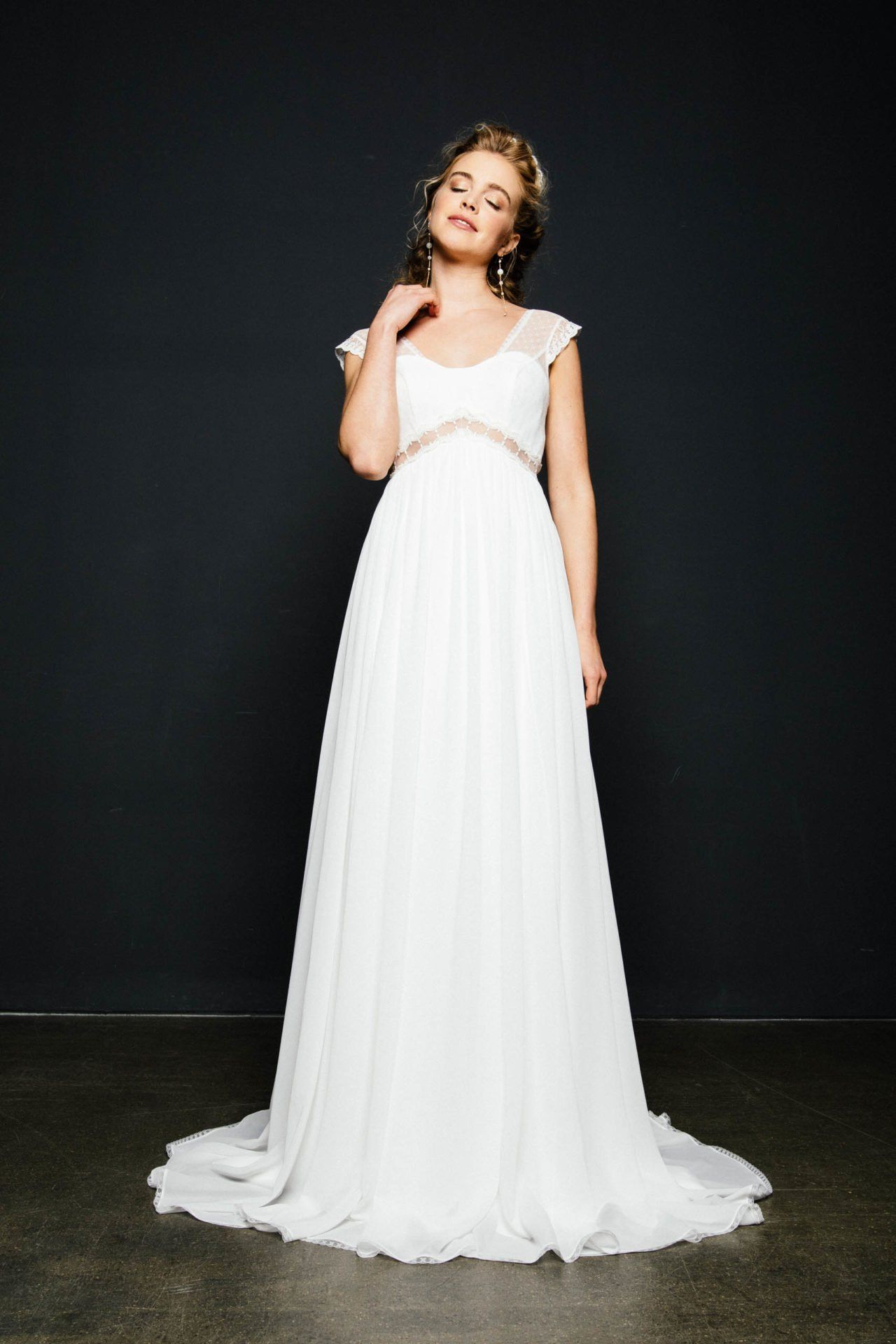 Empire Brautkleid in 17  Wedding dresses, Dresses, Boho wedding