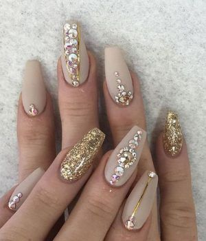 Diamond Nails 30 Nail Designs With Diamonds Diamond Nail Designs