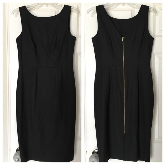 Dress With Zipper Down The Back