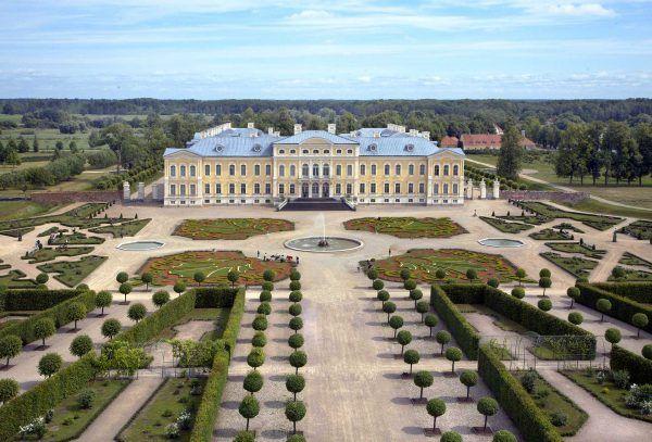 Gardens Palace Of Versailles Exterior 7