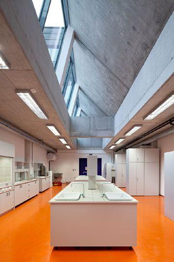 Laboratory Room Design: Laboratory Furniture