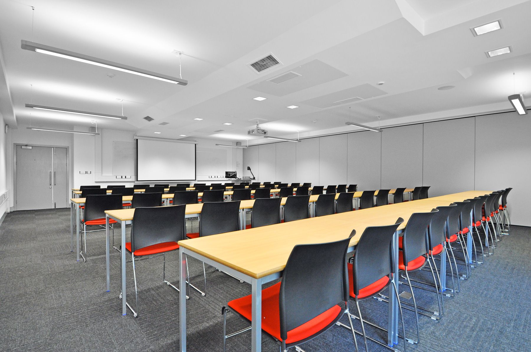 The University of Nottingham - The University of Nottingham - Highfield House: bofessentials welded steel desks with Verco sting chairs.