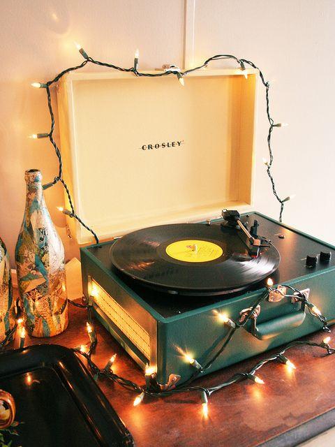 I M Dreaming Of A White Christmas Christmas Music Playlist Christmas Music Vinyl Player