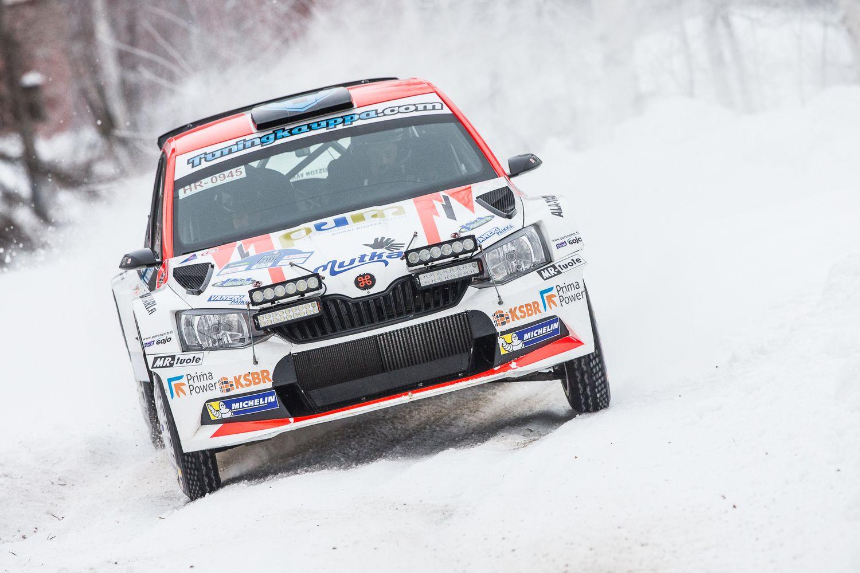 SM-Ralli - Teemu Asunmaan ensiesiintyminen Skoda Fabia R5 -auron ratissa oli voitokas (kuva: AKK/Hannu Rainamo)Rallin SM-sarjan avausosakilpailu Arctic Lapland Rally päät...