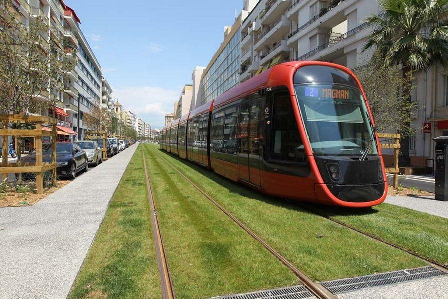 Alstom Met En Service Son Tramway Citadis Sans Catenaire A Nice