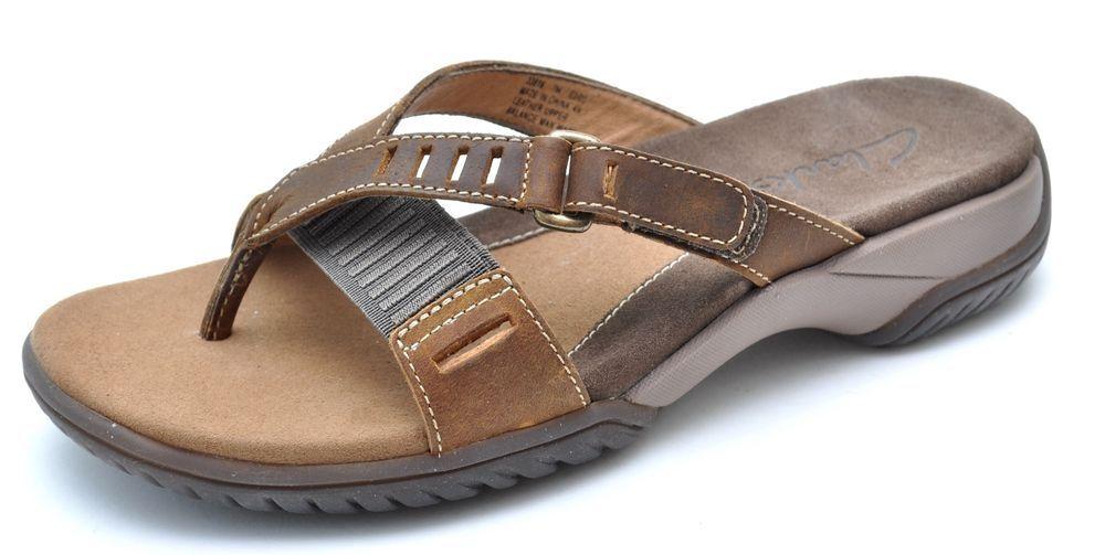 b53a18eef097 Clarks BOOMERANG Tan Brown Thongs Sandals Women s 7 - NEW  Clarks   FlipFlops  Casual