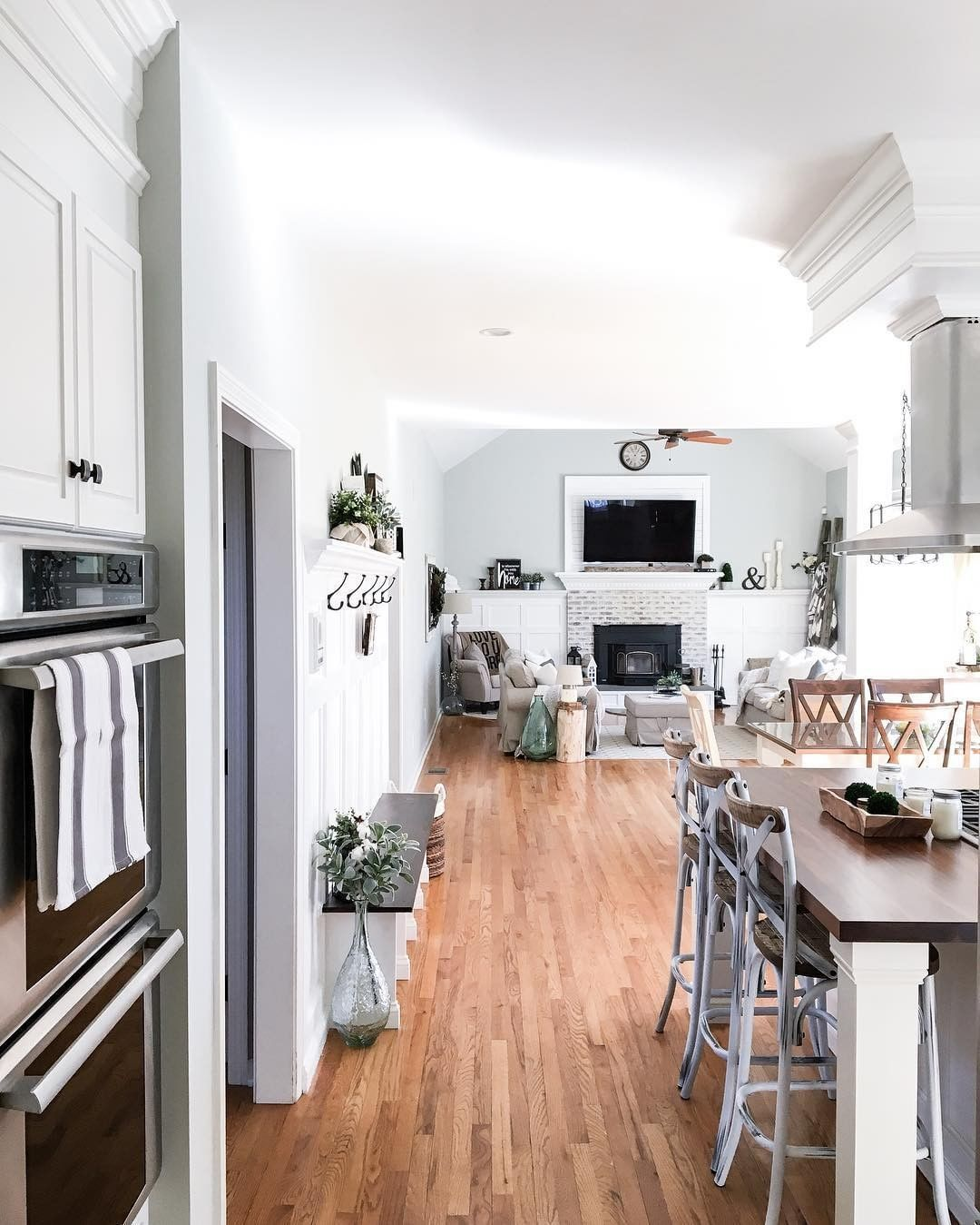 Betterhomesandgardens Instagram Open Floor Plan Farmhousechic4sure Home Open Floor Plan Open Floor