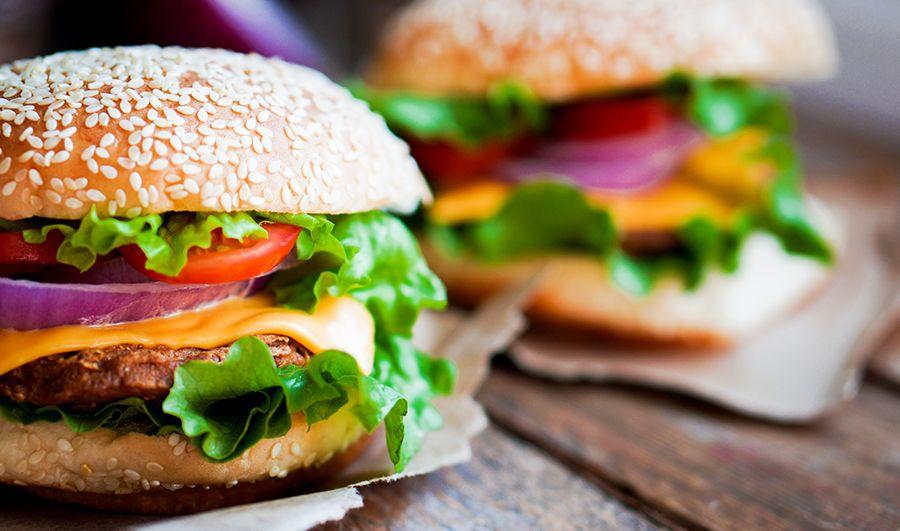 Curso Online de Hambúrguer gourmet e vegetariano. ✓ Aprenda com experts ✓ Certificado Reconhecido ✓ Experimente 7 dias grátis na eduK.