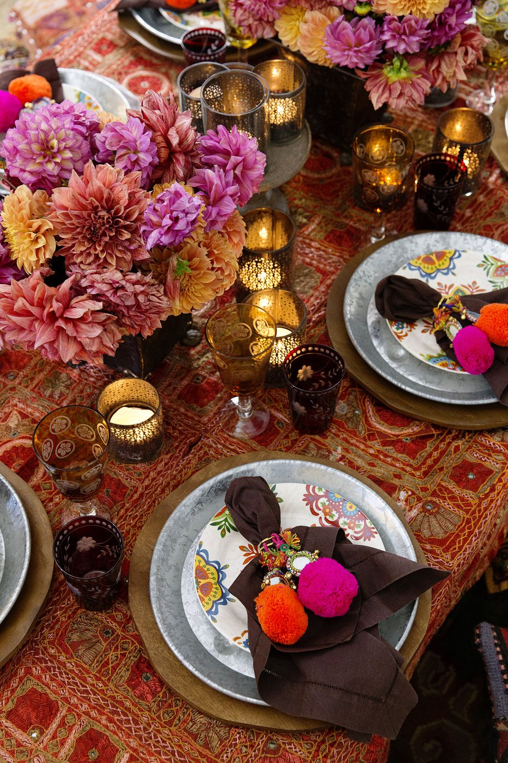 A Regal Indian Dinner Chyka Com India Indiandinner Indianfood Chykak Thebiggroupinstagram Thedesigndepoti Dinner Party Table Indian Dinner Indian Table