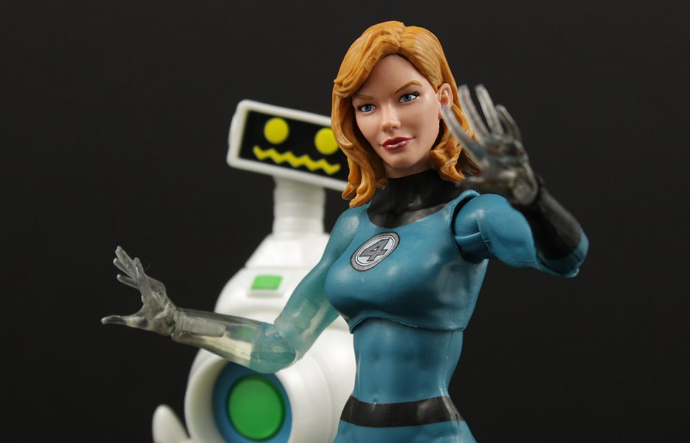 Marvel Legends Invisible Woman Walgreens EXCLUSIVE NEW
