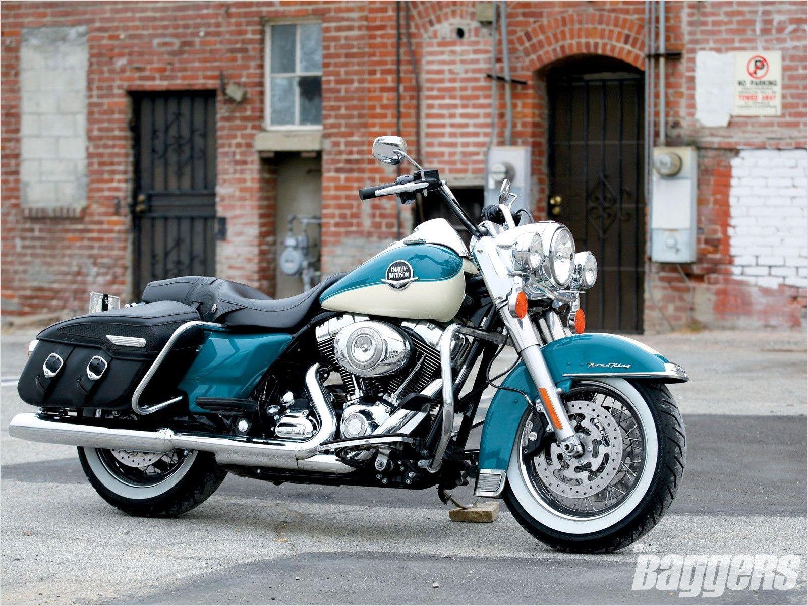 4k Harley Davidson Road King Wallpaper In 2020 Road King Harley Davidson Baggers Harley Davidson