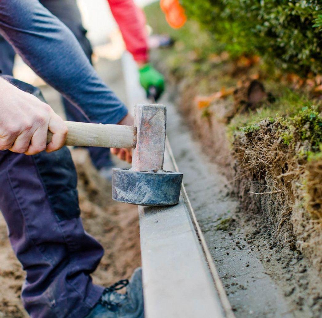 Garten Und Landschaftsbau In Der Nahe In 2020 Garten Landschaftsbau Landschaftsbau Einfache Gartengestaltung