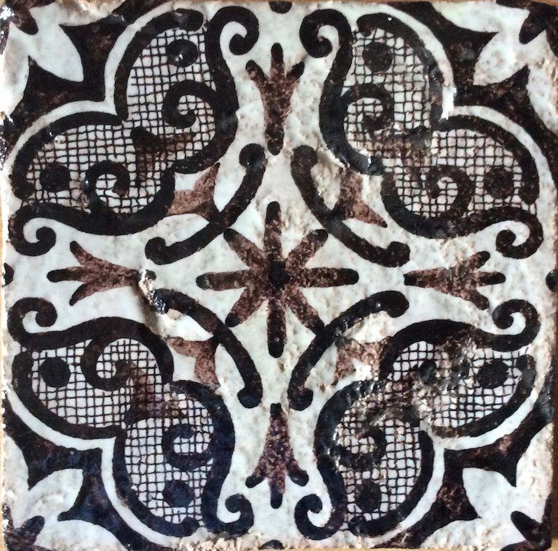 Piastrella maiolica gallery of disegno a mano piastrelle for Maioliche adesive