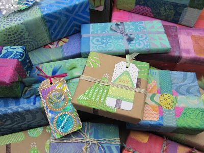 Create your own Christmas wrapping paper using Gelli plates