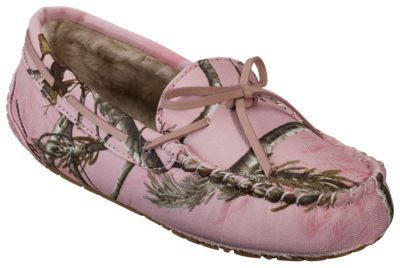 2926bf8f54a88 Natural Reflections Camo Tracker Slippers for Ladies - Realtree AP Colors  Pink - 11 M