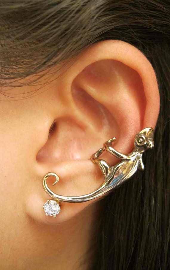 Bronze Gecko Ear Cuff. Love earcuffs like this- @Maggie King grrrl gave me an octopus ear cuff from etsy and it is awesome.