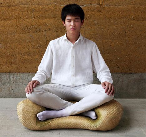 Zen seating meditation chair makes proper sitting easy for Sitting easy chairs