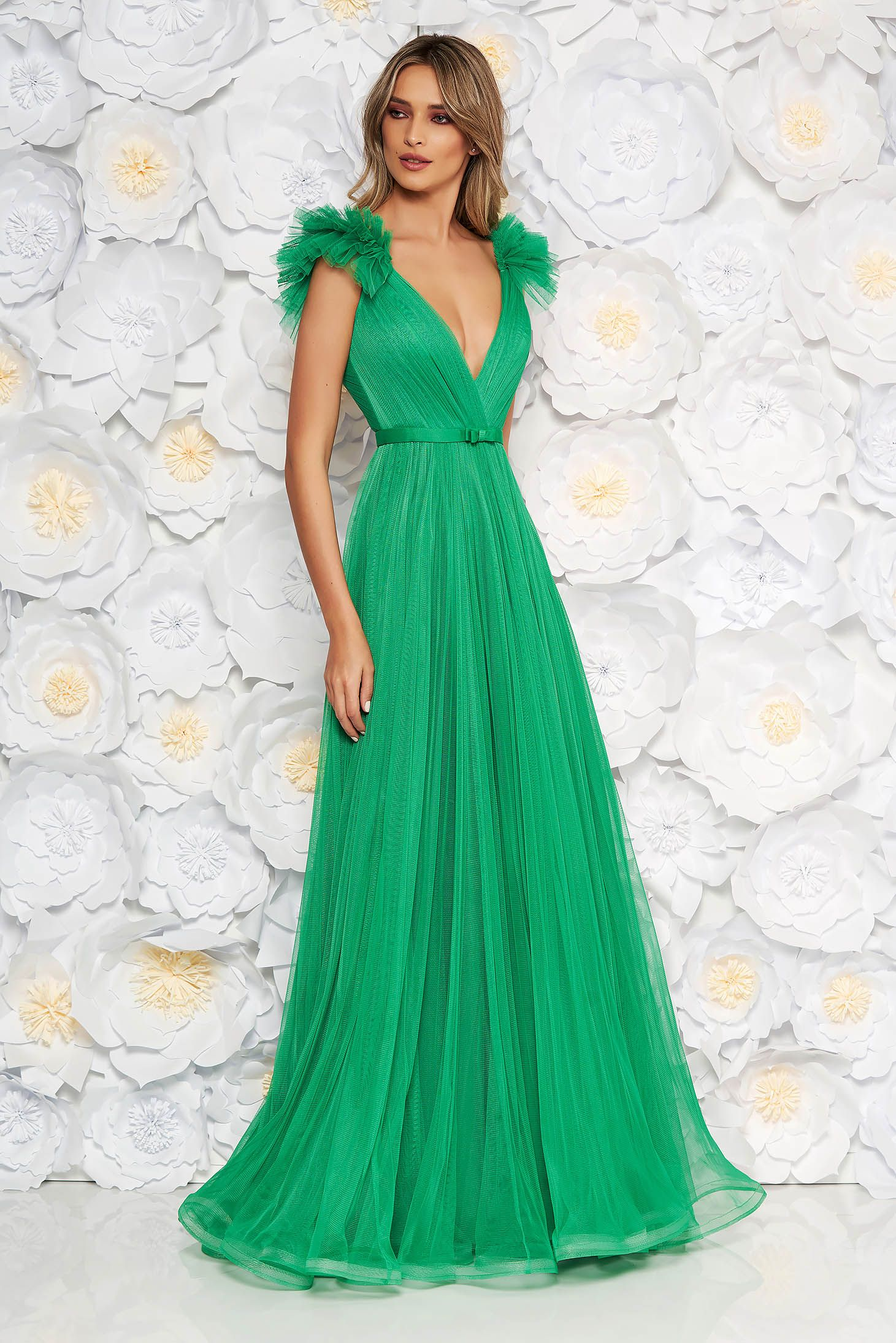 42f412692 Ana Radu lightgreen luxurious dress from tulle with inside lining with deep  cleavage with push-