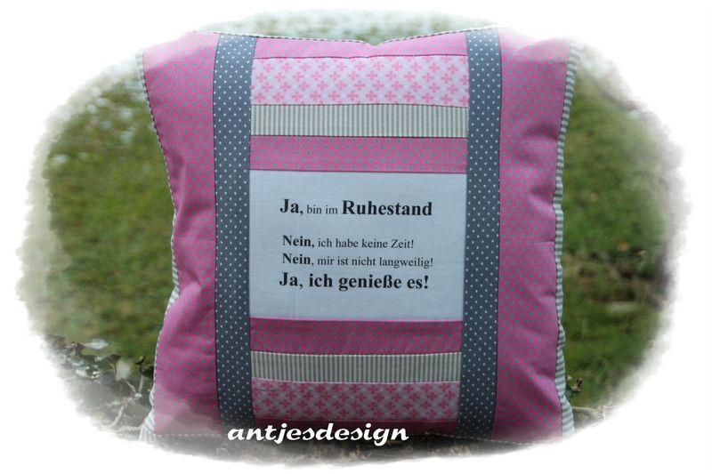 kissen cooles geschenk zum ruhestand pink kissen ein. Black Bedroom Furniture Sets. Home Design Ideas
