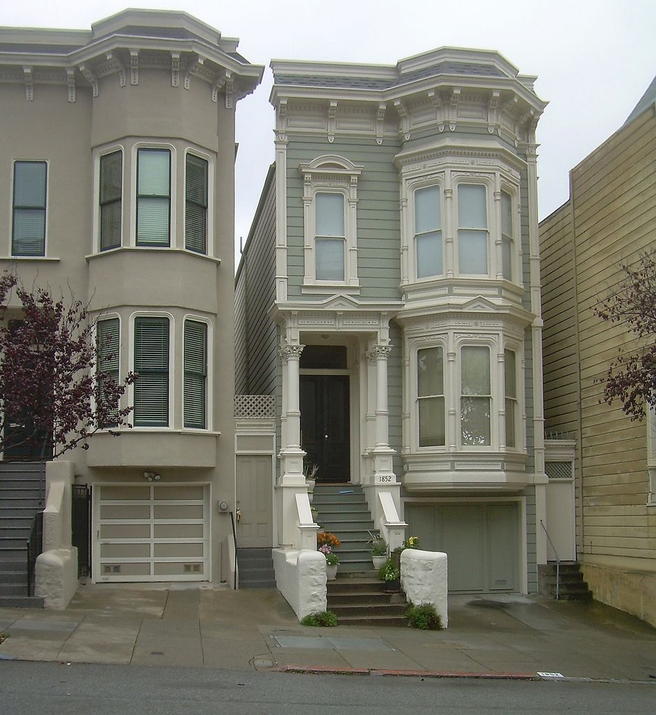 A Complete Tour Of A Victorian Style Mansion: Victorian House San Francisco, California.