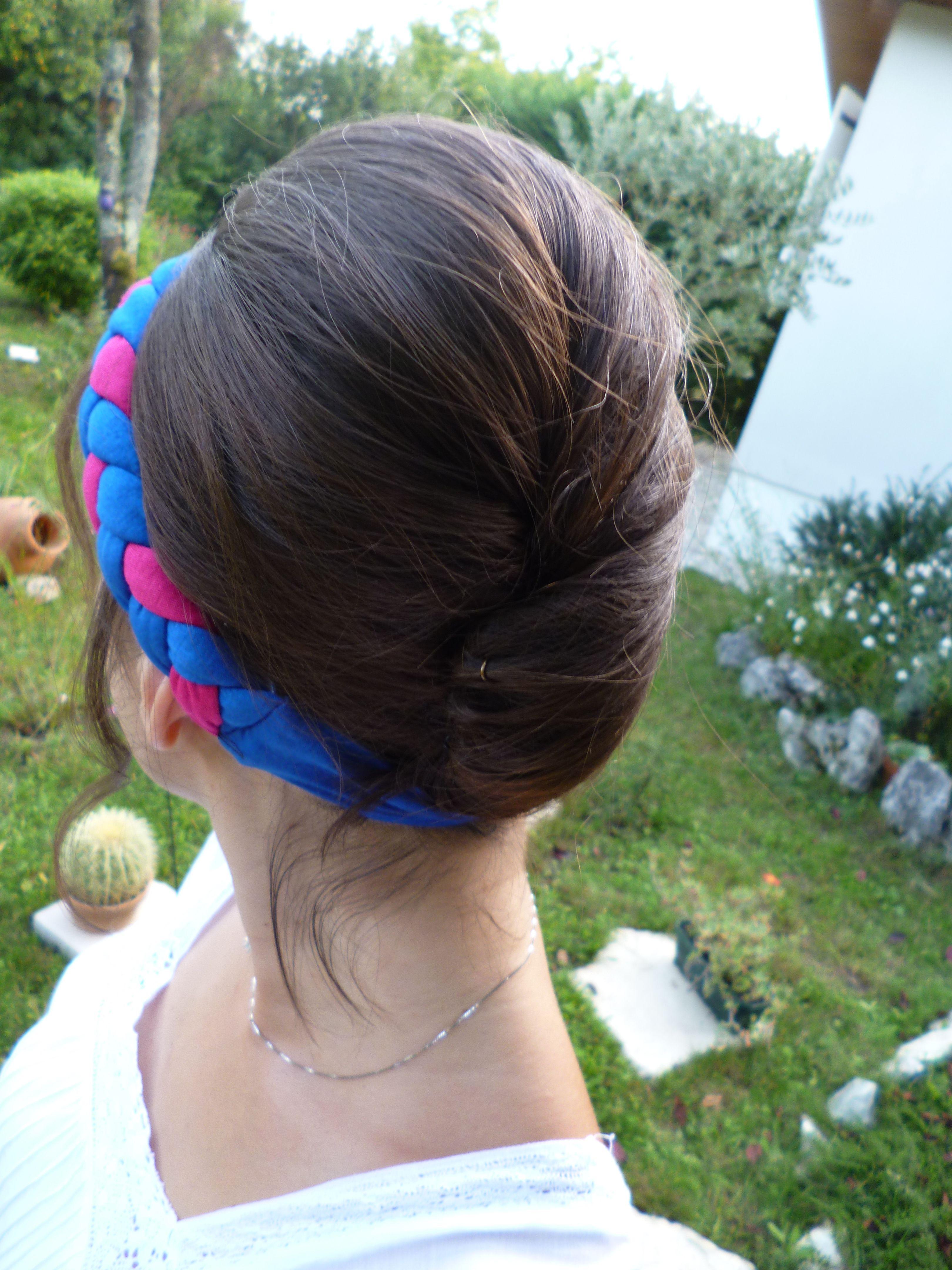 Chignon Banane réalisé lors de l'événement Hair Bar @Lisa Y. PARIS à Bordeaux avec un headband tresse Adélie Paris.