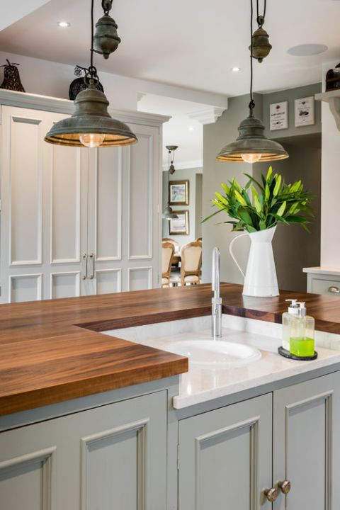 Rustic Pendant Lighting In A Farmhouse Kitchen Rustic Kitchen
