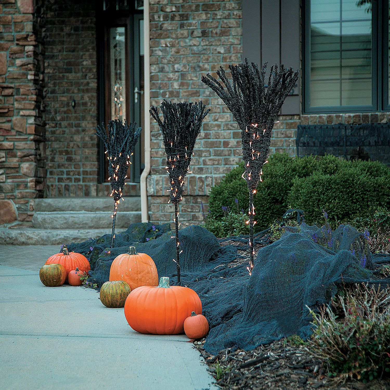 15 Scary Halloween Outdoor Decoration Ideas 2018