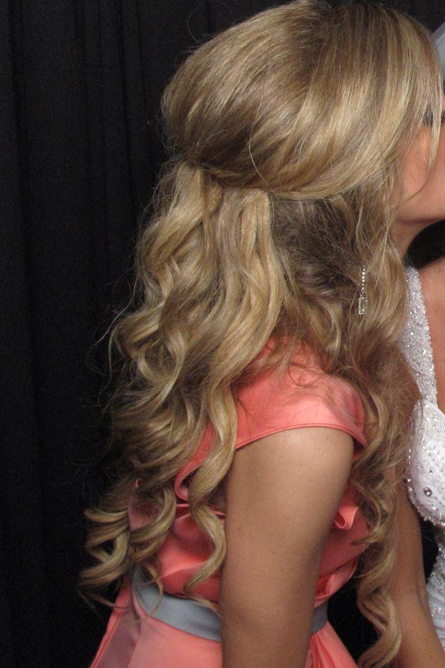 A calm simple half up half down hairstyle | Hair | Hair ...