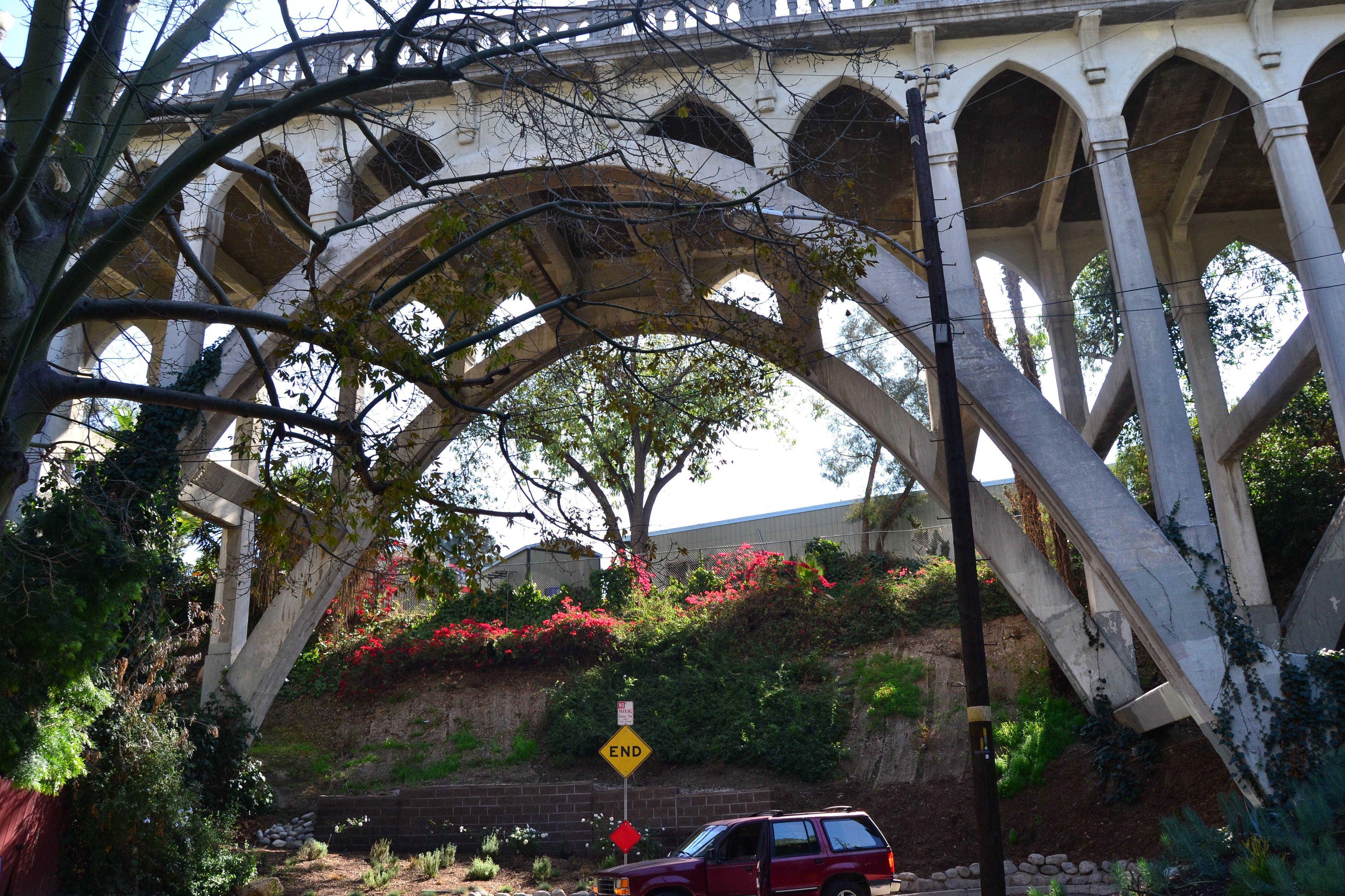 Shakespeare Bridge In 2020 Northridge Earthquake Monument 1920s Architecture