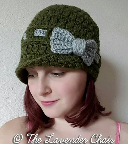 This pattern is available for FREE on my website. Lovely bow cloche ...