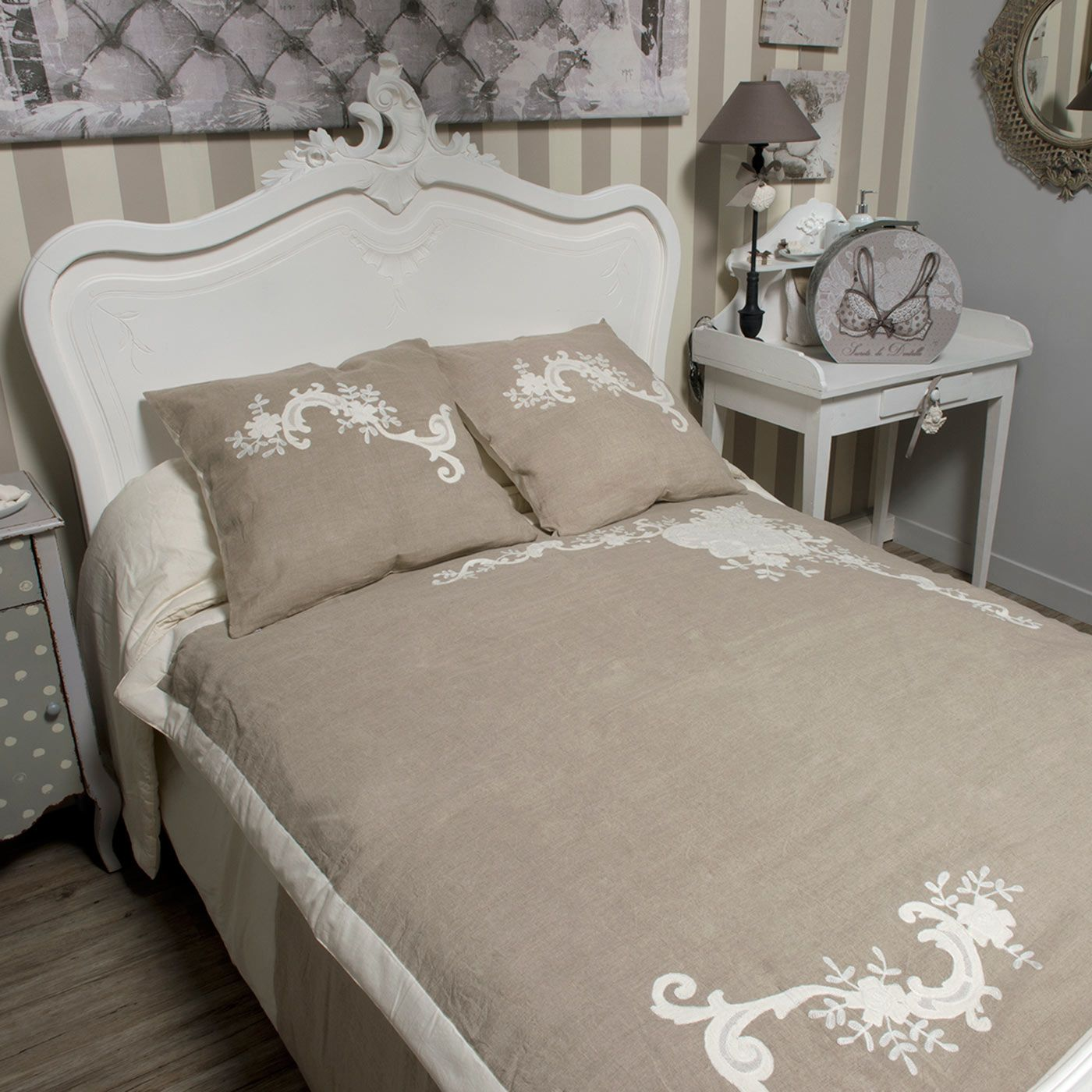 jet de lit marquise mathilde m esprit shabby chic. Black Bedroom Furniture Sets. Home Design Ideas