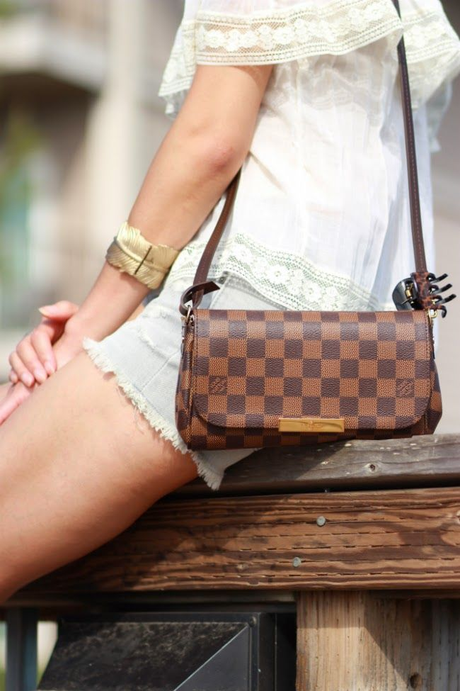 13b396dfc848 Louis Vuitton Favorite PM damier canvas. Louis Vuitton Favorite PM damier  canvas Vuitton Bag ...