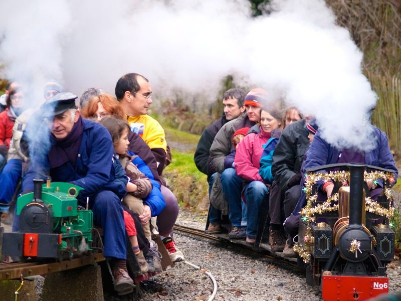 20 Off Family Friends Railcard Get 1 3 Off Train Travel Train Travel Friends Friends Family